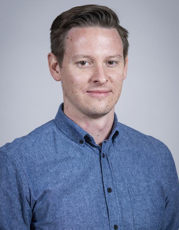Dr.  Colin  Mercer