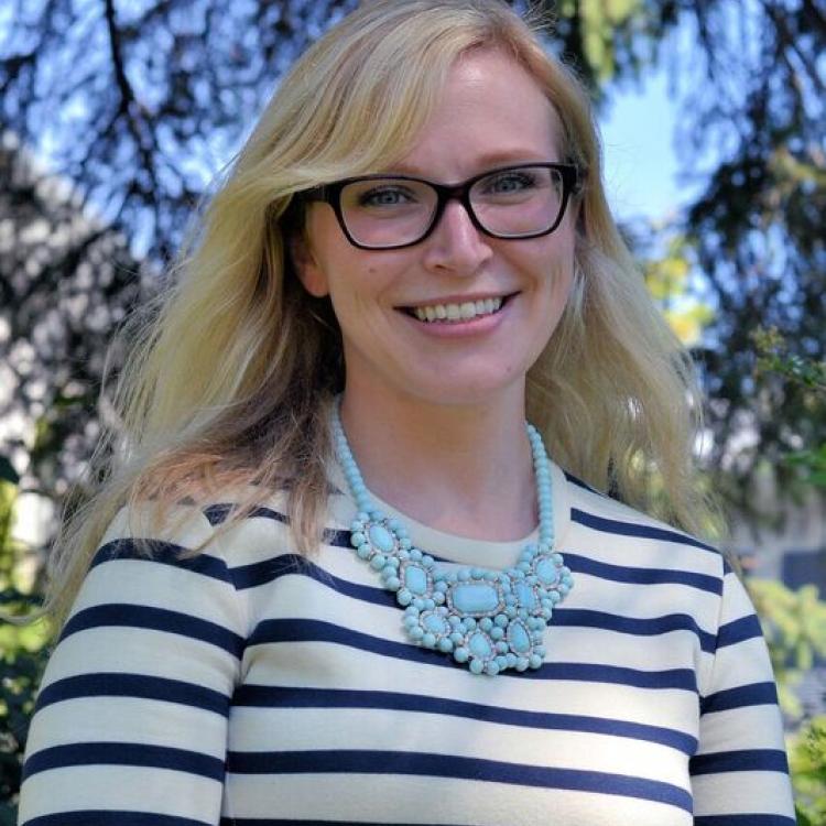 Dr.  Kirsten Litke