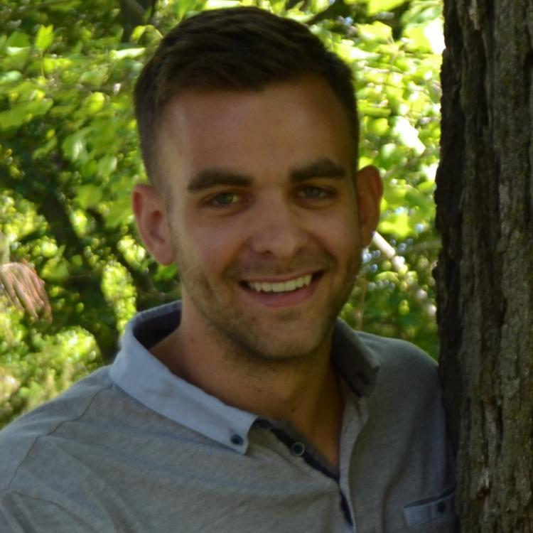 Dr.  Paul Prochazka
